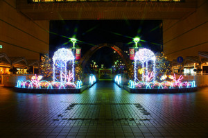 豊田市駅イルミ000.jpg
